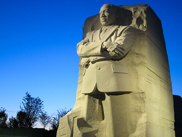 640px-Martin_Luther_King,_Jr._National_Memorial_Stone_of_Hope_Offset_View_at_Dusk